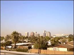 De quel état américain Phoenix située au coeur du désert de Sonora est-elle la capitale ?