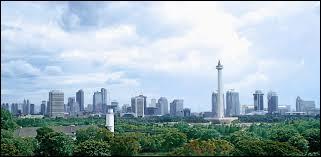 Sur quelle île se situe Jakarta, capitale de l'Indonésie ?