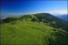 Dans quel département se situe le crêt de la Neige, le plus haut sommet du massif du Jura ?