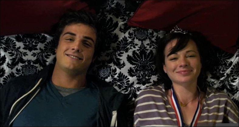 Où vont danser Matty et Jenna pendant le bal de printemps ?