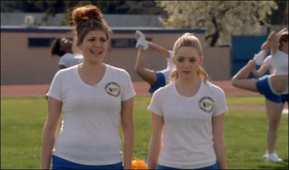 Que font Lisa et Sadie au début de la saison 1 ?