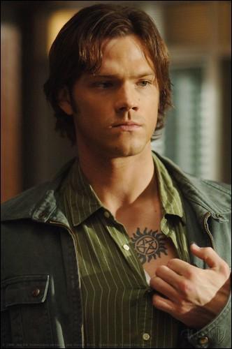 Dans quelle saison Sam est-il possédé par Lucifer ?
