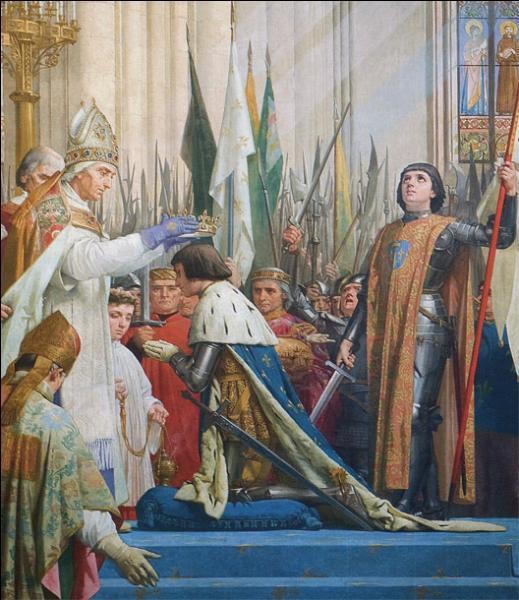 Après avoir délivré Orléans, Jeanne d'Arc décide de faire sacrer Charles VII dès le lendemain de son arrivée à Reims.