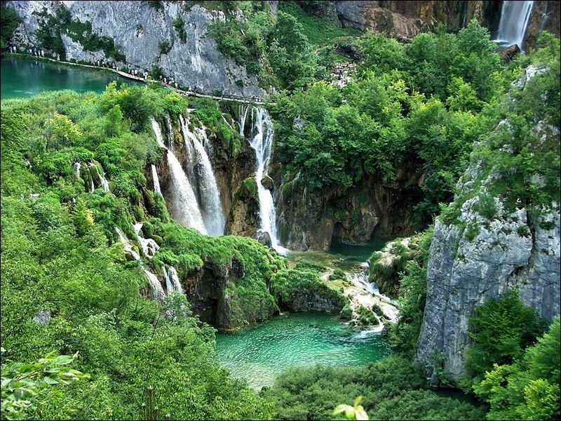 Quel célèbre ensemble de lacs croates est-il classé au patrimoine mondial de l'Organisation des Nations Unies ?