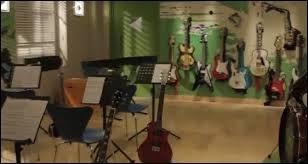 Dans la saison 2, comment s'appelle le studio ?