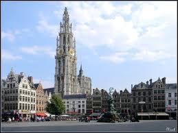 Je vous emmène à la découverte de la ville d'Anvers. Nous serons donc ...