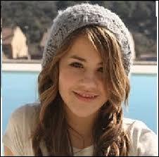 Quelle actrice joue le rôle de la petite soeur de Nata ? (Lena )