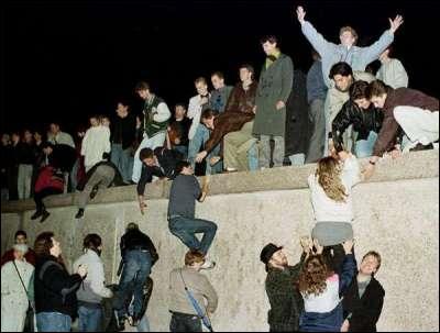 « Ich bin ein Berliner. » Qui a prononcé cette phrase, devant le mur de Berlin en 1963 ?