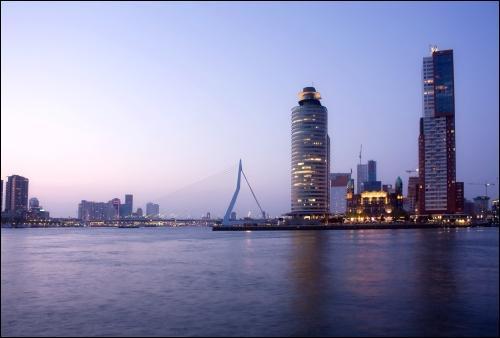 Où se situe la ville de Rotterdam ?