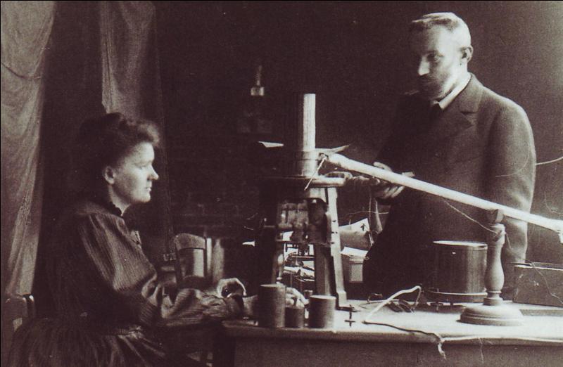 Qui furent les trois physiciens ayant reçu le prix Nobel, en 1903, pour la découverte de la radioactivité ?