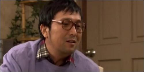 Que tient Geum Il Bong, le père de Jan Di ?