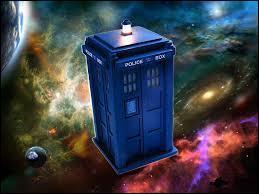L'acronyme TARDIS signifie  Transport Aérien Révolutionnaire Développé avec Infiniment de Style .