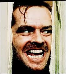Avec quelle arme Jack Torrance va-t-il essayer d'abattre sa femme ?