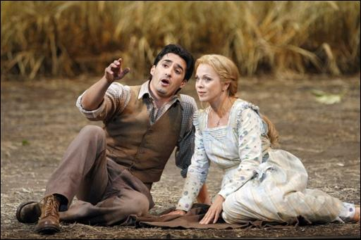 Comment se prénomme l'amoureux de  Mireille , dans l'opéra éponyme de Gounod ?