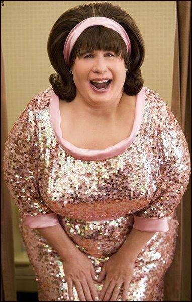Qui se cache sous les traits d'Edna Turnsblad ?