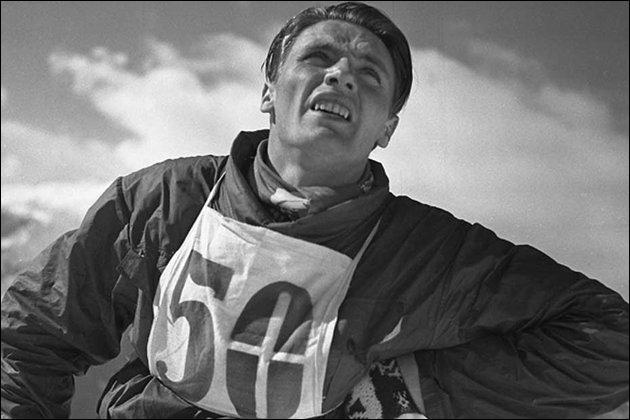 Dans quelle discipline sportive s'est illustré Emile Allais, triple champion du monde en 1937 ?