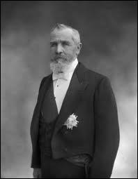 A qui succéda Emile Loubet, élu président de la République en 1899 ?