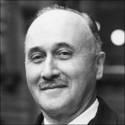 Quatrième chapitre,  Quelle est la place de l'Union européenne dans l'économie globale ?  . Lequel de ces hommes a t-il évoqué en novembre 1954 les  Etats-Unis d'Europe  ?