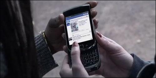 Comment s'appelle le harcèlement via internet, les réseaux sociaux et les téléphones ?