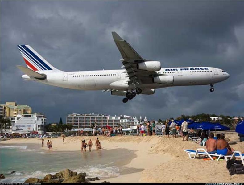 Des atterrissages et des décollages spectaculaires voire dangereux sont courants, voir habituels. Grâce à la photo, pouvez dire où sommes-nous ?