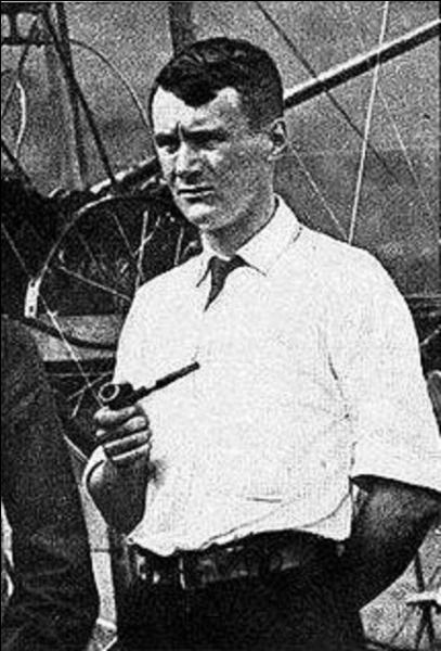 Le lieutenant Thomas Etholen Selfridge fut la première victime d'un accident d'avion ! Il n'était que le passager d'un avion piloté par un des pionniers de l'aviation ! Cet accident eut lieu à fort Myer ! Qui était le pilote ?