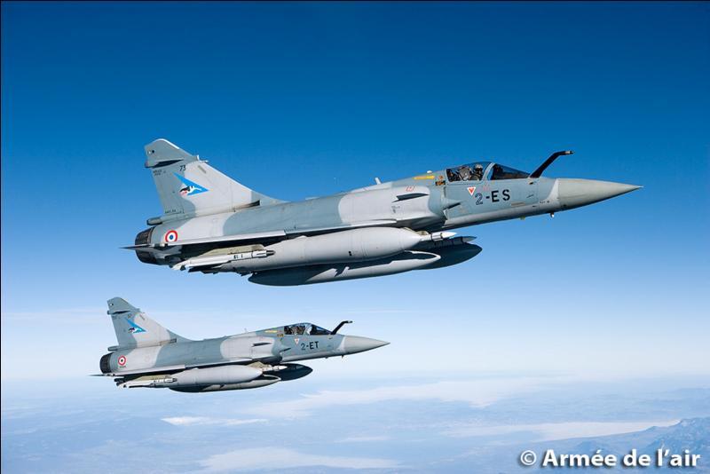 Est-ce qu'un avion de combat peut approcher un avion de ligne au risque d'une collision, ou pire ?