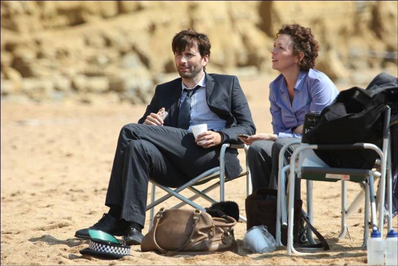 Quel animal s'est invité en plein tournage de la saison 1, lors d'une prise sur la plage ?