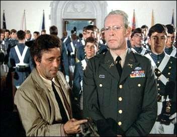 Dans  Du crépuscule à l'aube  quel alcool permet à Columbo de coincer le colonel Lyle C. Rumford, directeur d'une école militaire ?