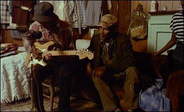 Ce film-documentaire est très rare : une tournée aux sources du blues et du gospel en compagnie de Robert Parish (caméraman de John Ford). Le titre résume tout !