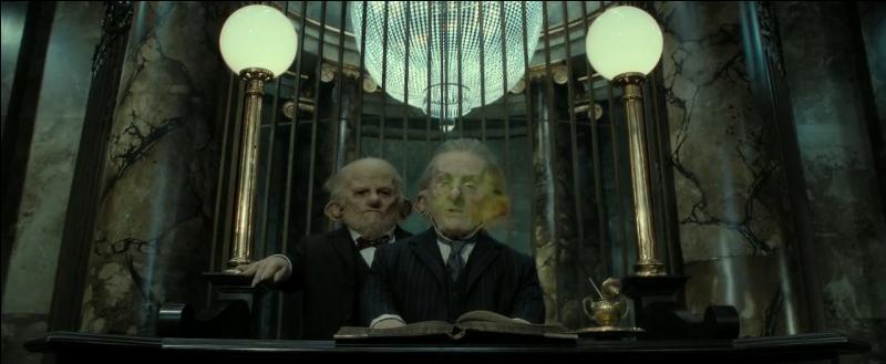 Dans  Harry Potter et les reliques de la mort (Partie II) , sur quelle créature Ron Weasley lance-t-il le sortilège magique de l'Imperium pour pouvoir être conduit dans la chambre forte de Bellatrix Lestrange ?