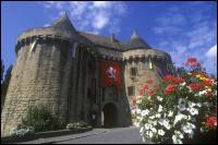 Sur le chemin du retour, se trouvait le petit village d'Hennebont. Ca m'a rappelé l'histoire du gars Pelot que nous avait chantée...