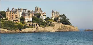 Comment se nomme cette station balnéaire qui fait face à Saint-Malo sur l'estuaire de la Rance ?