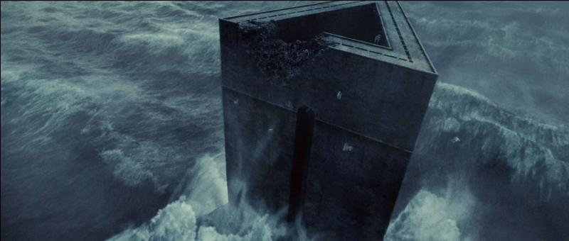 Dans la saga  Harry Potter , Azkaban est une prison affiliée au ministère de la Magie dans laquelle sont confinés les prisonniers les plus dangereux du monde de la magie. Au large de quelle mer la prison d'Azkaban, construite sur une île, se situe-t-elle ?