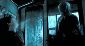 Quelles créatures magiques des ténèbres, qui se nourrissent des joies et des sentiments les plus heureux, provoquant chez un sorcier tristesse et désespoir, sont les gardiens de la prison d'Azkaban, jusqu'en 1996 ?