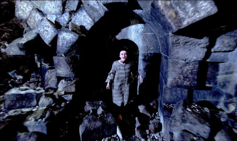 Nous sommes fin Juin 1997, alors que la sixième année de Harry Potter à Poudlard prend fin. Certains Mangemorts, qui s'étaient échappés en 1996 puis emprisonnés à nouveau, s'évadent une seconde fois. Combien de Mangemorts ont réussi l'exploit de s'évader une seconde fois ?