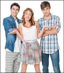 Dans la saison 1, entre quels garçons Violetta a-t-elle hésité ?