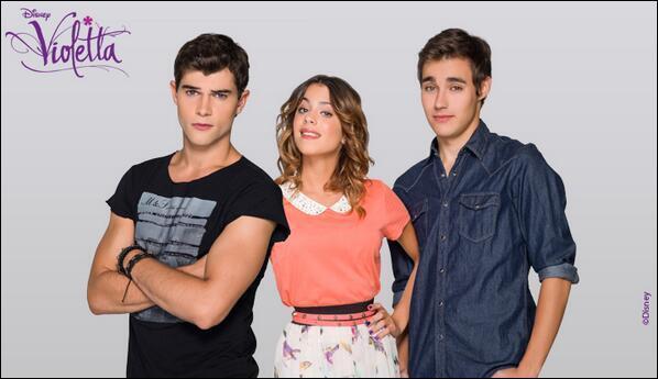 Dans la saison 2, entre quels garçons Violetta va-t-elle hésiter ?