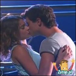 Dans quels épisodes Diego et Violetta s'embrassent-ils et sont officiellement en couple ?