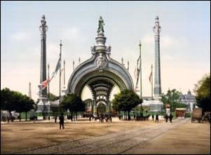 L'exposition universelle de l'an 1900 attira un grand nombre de visiteurs. Le thème était  Le bilan d'un siècle .