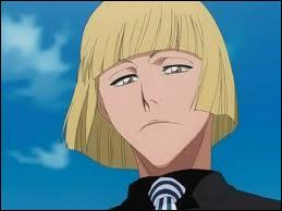 Shinji Hirako possède un piercing, où ça ?