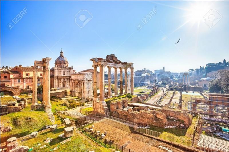 """Paul et toi """"admirez"""" les vestiges des ruines romaines. Le verbe de cette phrase est-il correctement conjugué ?"""