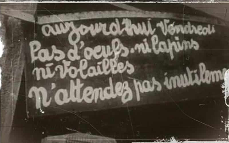 Le 15 mars, l'Etat de Vichy décide de ne plus poursuivre certains accusés. De quel crime étaient-ils accusés ?