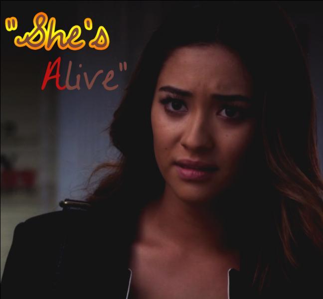 Épisode 21 : À qui et pourquoi Emily révèle-t-elle qu'Alison est en vie ?