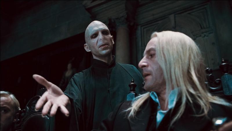 D'autres Mangemorts n'ont pas été condamnés mais graciés par le Magenmagot. Quelle excuse Lucius Malefoy a-t-il invoqué pour pouvoir échapper aux geôles d'Azkaban ?