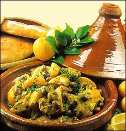 Comment s'appelle ce merveilleux plat du Maghreb, très complet et coloré, qu'on prépare dans un joli plat en terre avec une  cheminée  ?