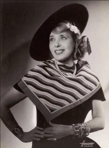 Son véritable patronyme est Jeanne Bourgeois, elle est née à Enghien-les-Bains !
