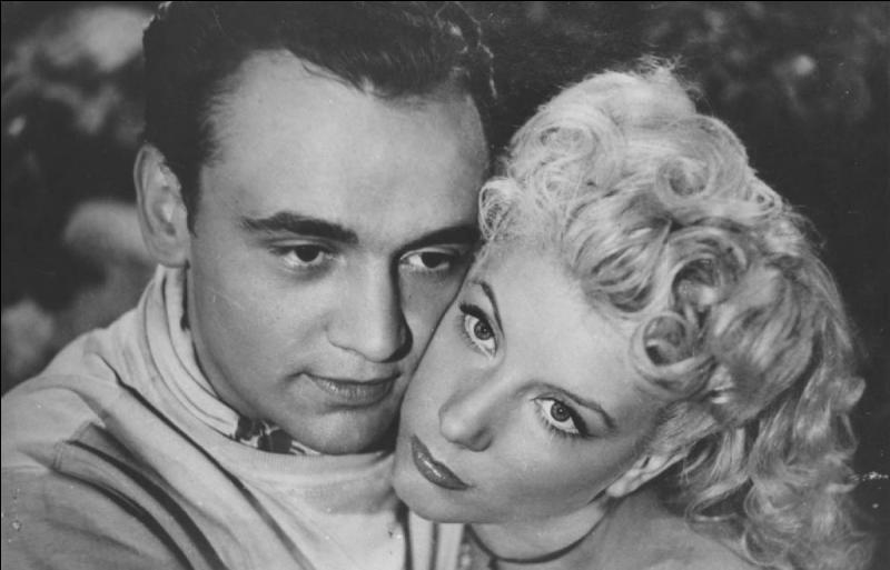 Il a tourné dans plus de 120 films, il fut également le héros de la série télévisée  Rocca  !
