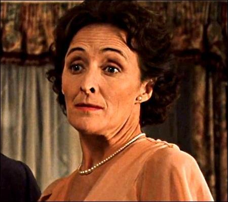 Comment le visage de cette dame est-il décrit dans les livres ?