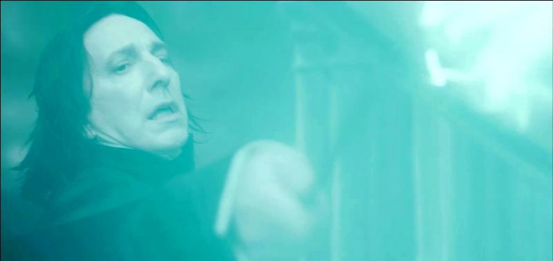 Devant l'incapacité de Drago Malefoy à tuer Albus Dumbledore, Severus Rogue se présente à son tour au sommet de la Tour d'Astronomie. Quels sont les derniers mots d'Albus Dumbledore, prononcés à Severus Rogue, dans la version française ?