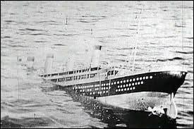 A combien de kilomètres de Terre-Neuve fit-il naufrage ?